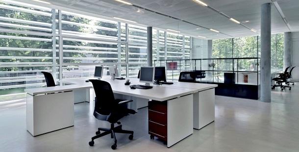 Pourquoi investir dans un local professionnel meublé